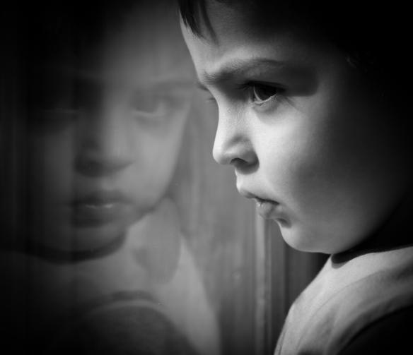 los niños con menor vocabulario expresivo a los 2 años tienen más problemas emocionales y de comportamiento